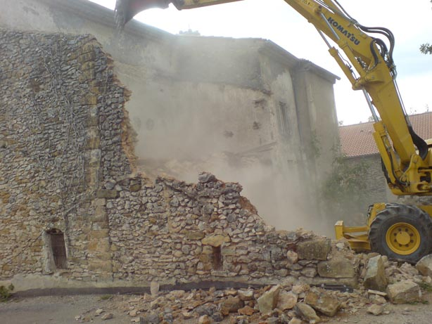 demolition garage st etienne les orgues